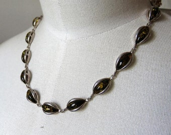 """Vintage Art Nouveau Victorian style Sterling Silver Green Amber Necklace 16"""" Length"""