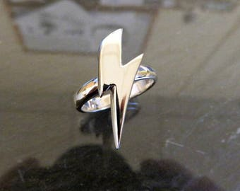 Solid Sterling Silver Glam Ziggy Lightning Mini Bolt Ring