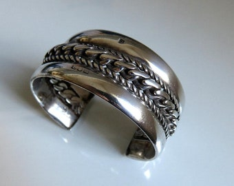Vintage Egyptian Bedouin Tribal Sterling Silver Bangle Cuff 1948-49 89.5 grams