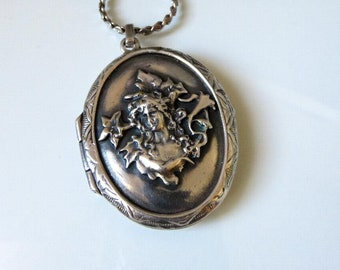 "Vintage Victorian Sterling Silver Locket 26"" Length"