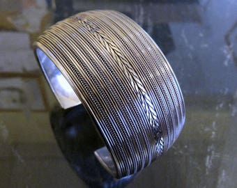 Vintage Sterling Silver Wide Bangle Cuff Tribal Ethnic Chain Mesh Design Heavy 86 grams