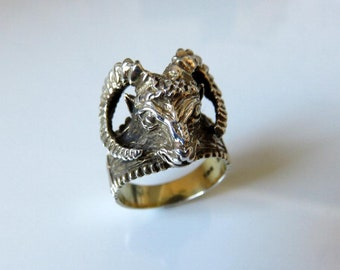 Vintage Sterling Silver Rams Head Ring size V (USA 11)
