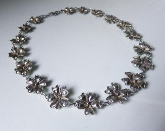 "Vintage Sterling Silver Flower Necklace 17"" Length 23.5 grams"