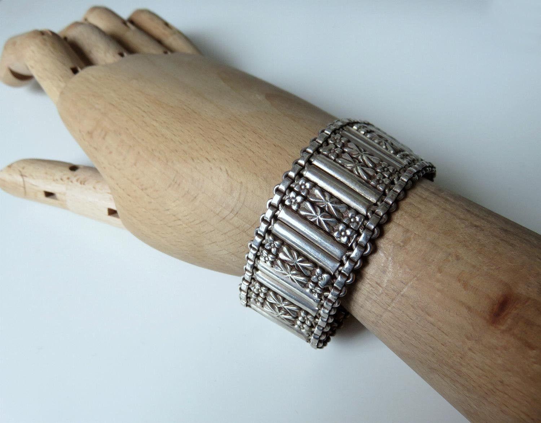 53.5 grams 7.5 Length Vintage Rajasthan Indian Silver Floral Bracelet