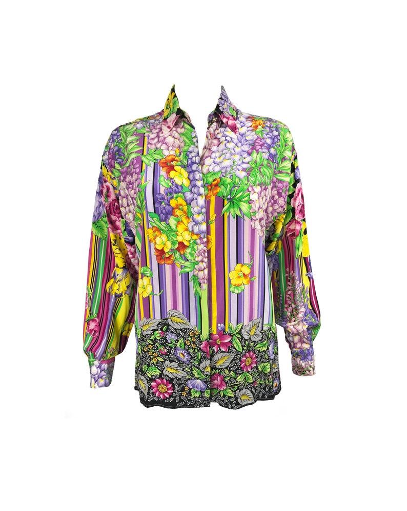 b7ff37cb VERSUS by GIANNI VERSACE Vintage 1990s Floral Print Silk Shirt   Etsy