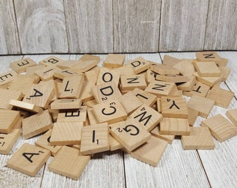 100 WOODEN GENUINE SCRABBLE TILES BLACK NUMBERS LETTERS BOARD CRAFTS NEW UK SELL