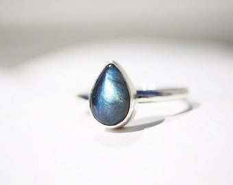 Drop In The Ocean - Labradorite Teardrop Sterling Silver Ring