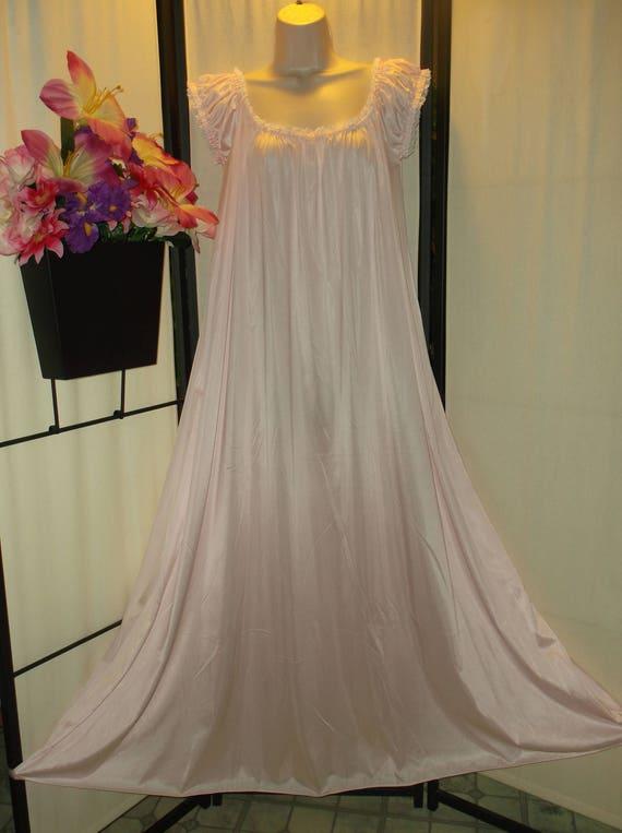 Vintage Olga nightgown pretty pink rare Style 9609