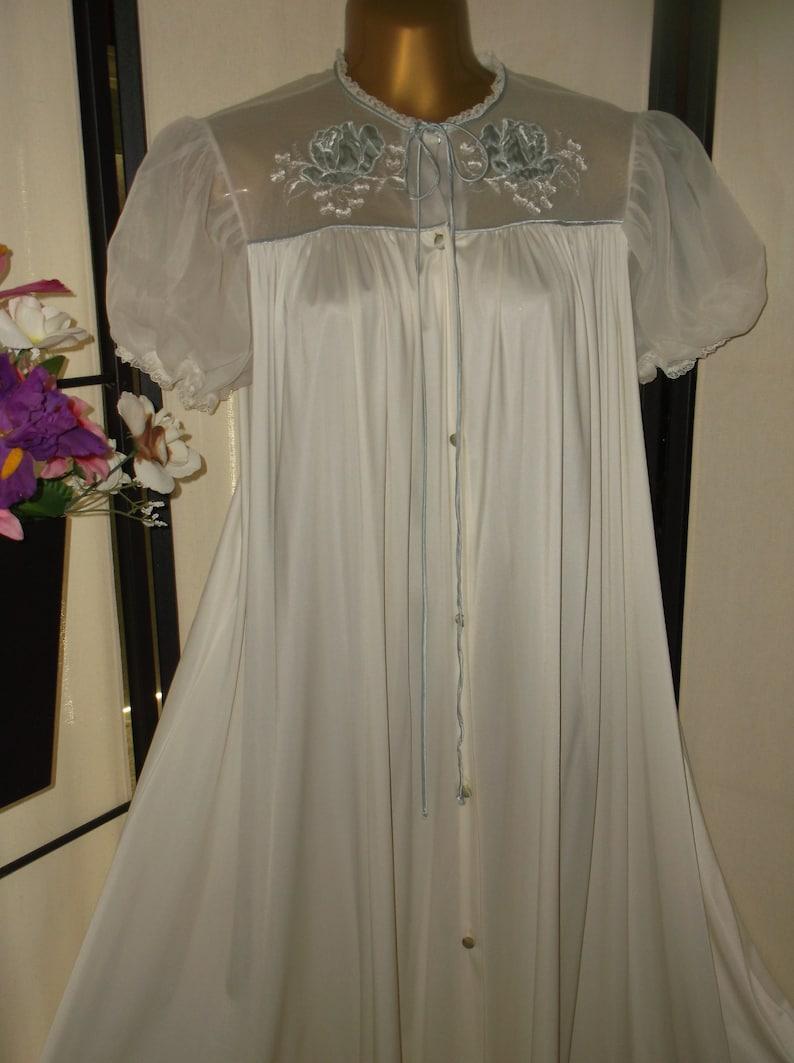d5fefecf58e Vintage 1950s bridal peignoir cream robe dressing gown blue