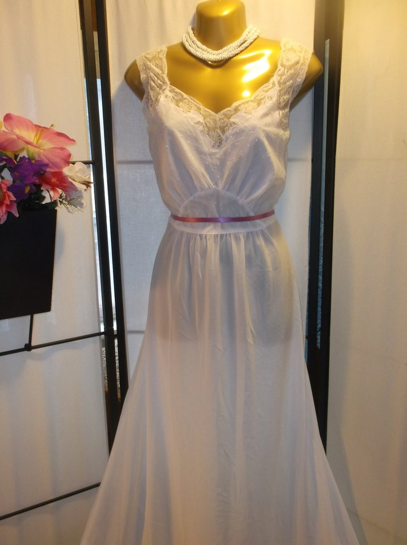 Vintage 1940s antique bridal nightgown bias cut World War 2 era Godfried  size 38... Vintage 1940s antique bridal nightgown bias cut World War 2 era  Godfried ... 9d88f591a