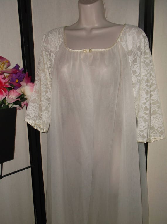 Vintage bridal peignoir robe dressing gown sheer white open  a7f341a80