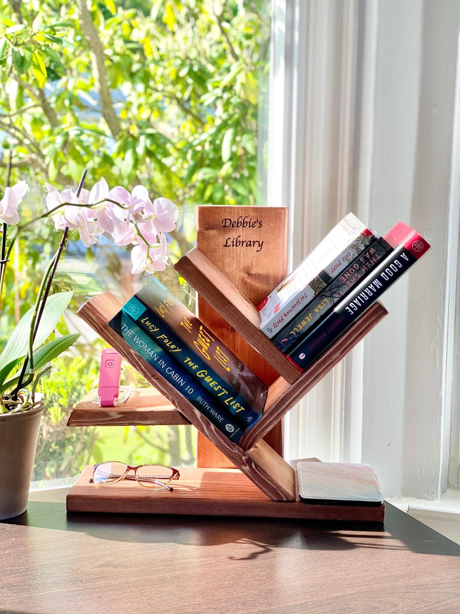 Tabletop bookshelf