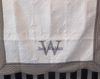 Personalized Baby Quilt Monogram Blanket Embroidered Crib Quilt Custom Baby Quilt Baby Boy Baby Girl Newborn Gift Baby Gift