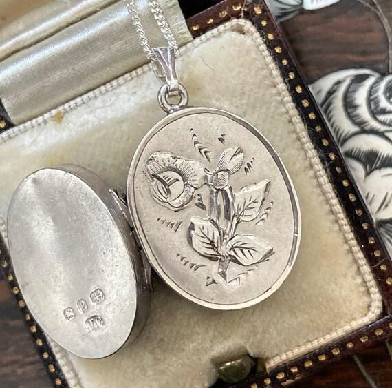 Antique Silver Rose Locket / Antique Flower Locket