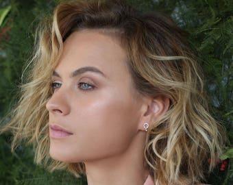 Pear shape earrings, dainty diamond earrings, teardrop gold earrings, diamond studs, stud earring, drop diamond earrings, gifr for fer