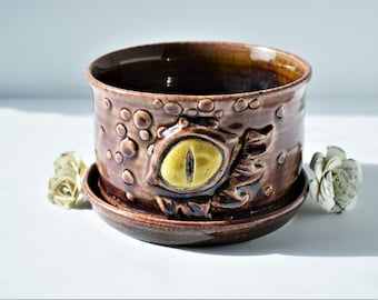 Dragon planter/ planter/ succulent planter/ ceramic planter/  gift for him/ birthday gift/ gift for her/ wedding gift