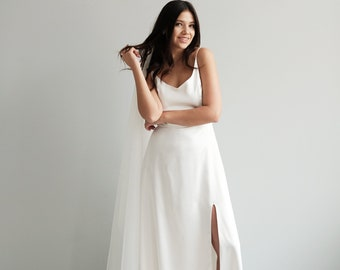 3a02ce24b04 Minimalist wedding dress