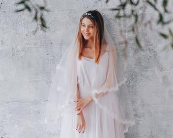 Double-tier veil, lace veil, veil, wedding veil, bridal veil, veil with blusher