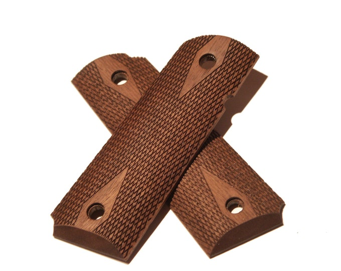 Full Size Flat Top Checkered Walnut Wood 1911 Grips