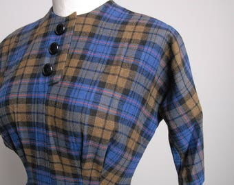 1950s vintage plaid mad men dress, wool, 3/4 sleeve metal zipper size.Small