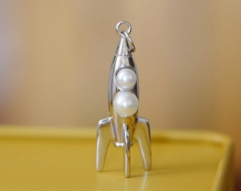 Retro Rocket Pendant - 925 Sterling Silver with Genuine Freshwater White Pearls