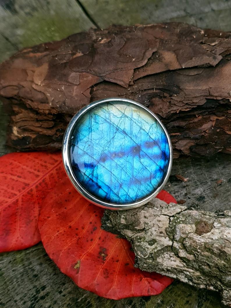 Amazing BIG ring blue labradorite elegant and exclusive image 0