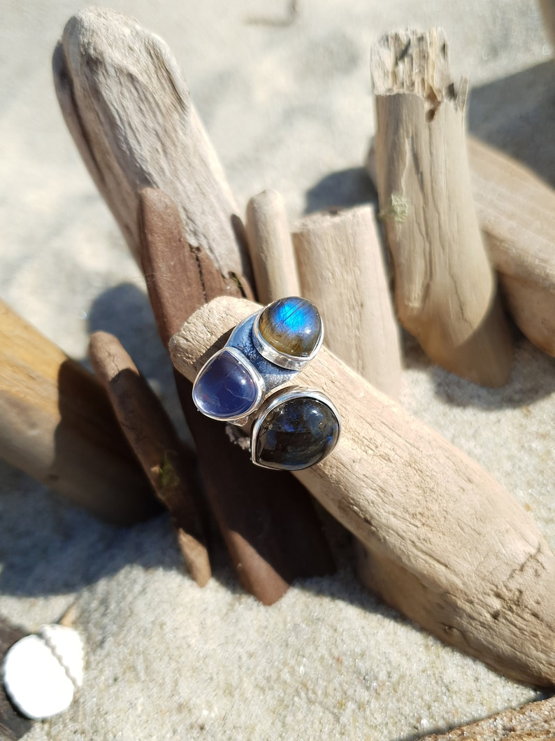 Amazing triple ring with two labradorites and iolite elegant image 0