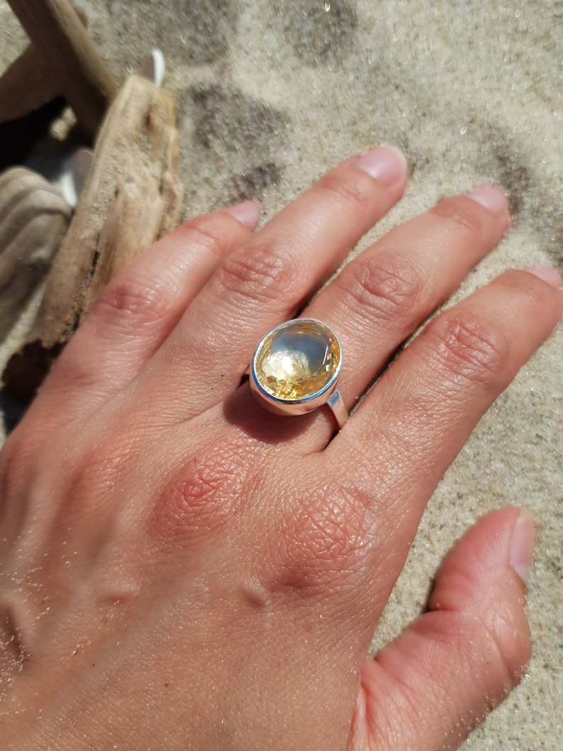 Amazing small ring with beautiful faceted citrine elegant and image 0
