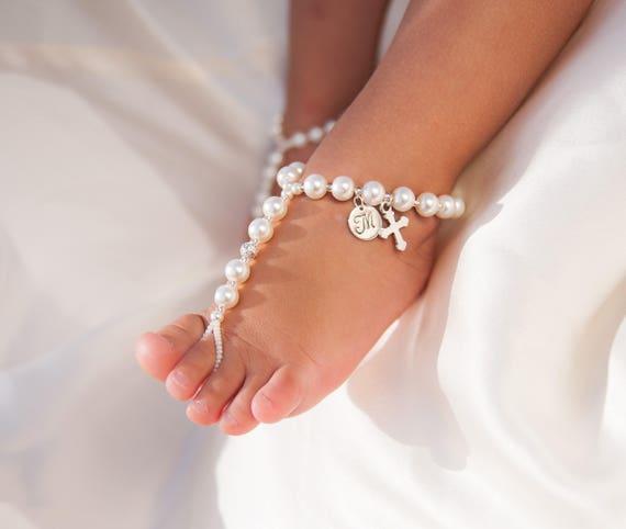 Taufe Schuhe Personalisierte Kinder Schmuck Baby Barfuss Sandalen Blumenmädchen Zubehör Einzigartiges Geschenk Personalisierte Dusche Geschenk