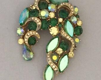 Vintage Retro 1950s 1960s 50s 60s large green gem jewel diamante brooch pin
