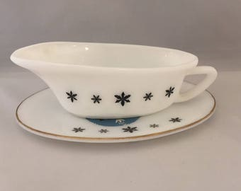 Vintage Retro 1960s 60's Pyrex Gaiety Snowflake gravy boat with original labels