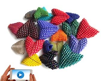 Heart Beaded Bead Pattern, 3D Peyote Heart Tutorial, Warped Square Heart,  Geometric Beading Pattern, 3D Beaded Heart