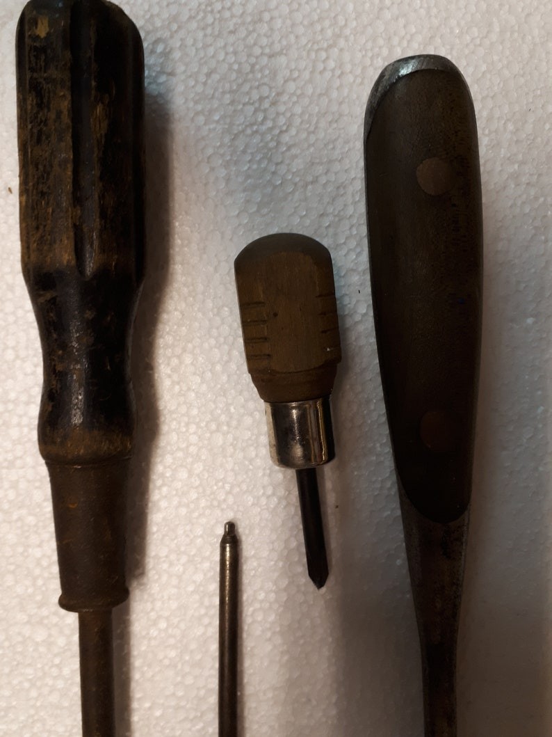 Collection of 4 Wooden Handled Screwdrivers Wooden Hand tools