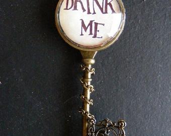 "Necklace key fantasy ""Drink me"""