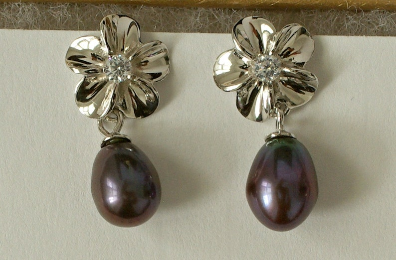 Freshwater Pearl Earrings Black Pearl Earrings Flower Earrings Sterling Silver Plumeria Earrings Bridesmaid Pearl Earrings ES1