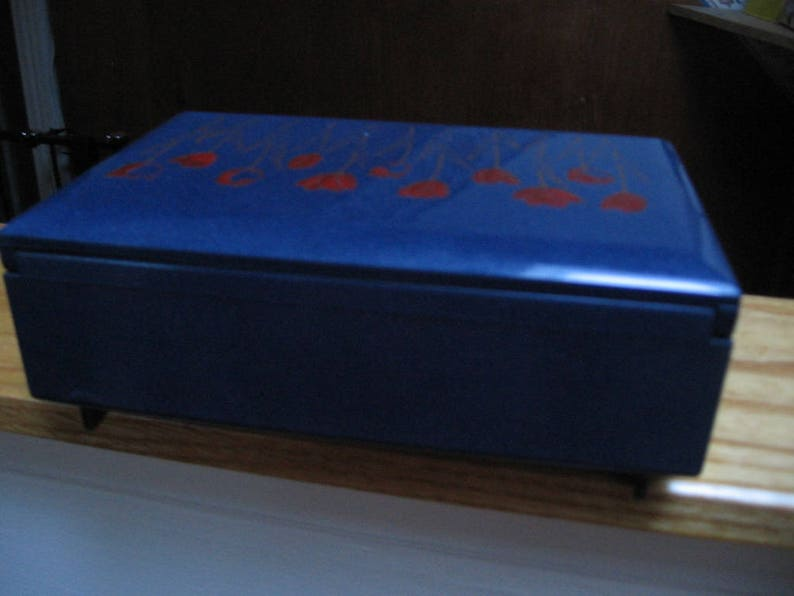 Unque Otagiri Blue Lacquer JewelryKeepsake Music Box with Tulips on Lid Nice Gift for Her Gorgeous Elegant Musical Box sale!Vintage 80/'s