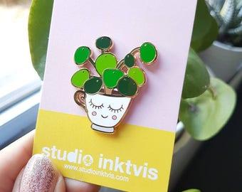 Pilea enamel pin badge white  | Pilea Peperomioides | Pilea kawaii lapel pin | Wedding gift | Crazy Plant lady pin | Chinese Money Plant