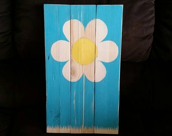 Up-cycled pallet flower sign