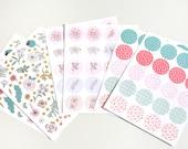 250 Flower stickers, bujo stickers, planner stickers, journal stickers, floral stickers, sticker seals, pink stickers, round stickers