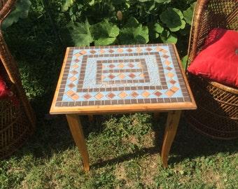 Table de mosaïque à la main