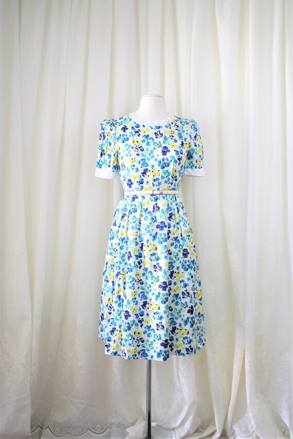 2a771397ac1b Vibrant Japanese Vintage Dress Tea dress Picnic dress Day
