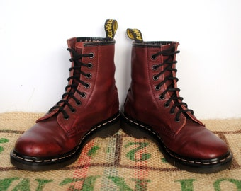 3b596f81ebc58 Dr Doc Martens Soft Burgundy Boots – 90 s Vintage Original Made in England  Size UK 3 us L 5 EU 35 Cherry Punk Combat Boots