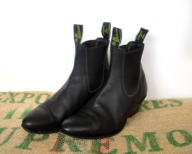 2cfe8ab5fa023 Black R.M. Williams Willow Cuban Heel Boots - 90's Vintage Made in  Australia – Matte Leather Chelsea Size RMW 6.5 G us L 8.5 EU 39.5 RM