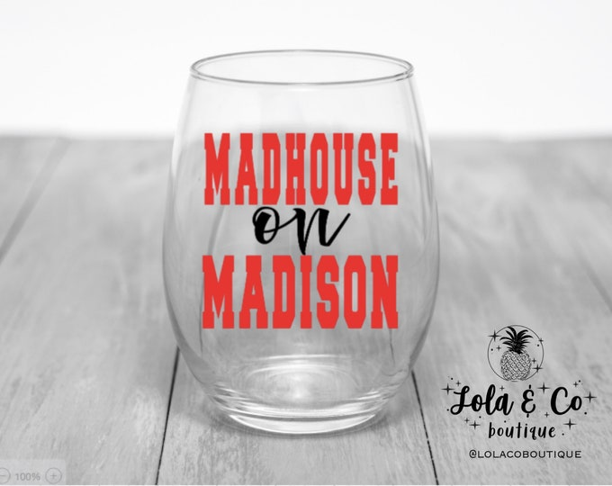 Madhouse On Madison | Blackhawks | Wine Glasses