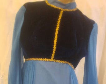 FANTASTIC 1970's empire waist maxi dress with metal zipper, size SMALL two tone blue with gold braid