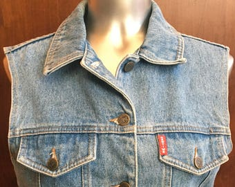 """1990's COOL vintage DENIM vest by """"New Time"""" in a size Medium"""