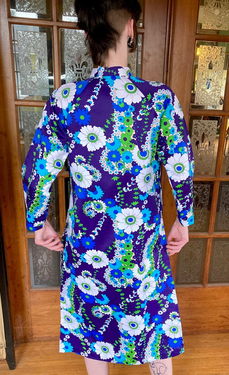 GORGEOUS late 1960searly 1970s Floral Chinese Dress by Phan Chau size Medium