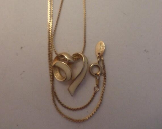 Vintage 80's Citation ribbon heart necklace gold tone chain
