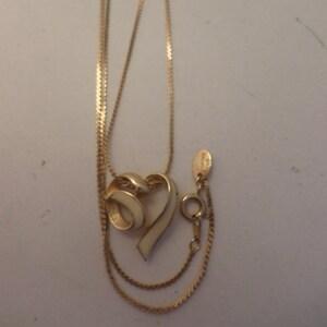 Decorative Clasp Graduated Length Necklace Vintage Boho 5 Strand Locket Citation Tag. Various Retro Styles /& Sizes of Silver Tone Chains