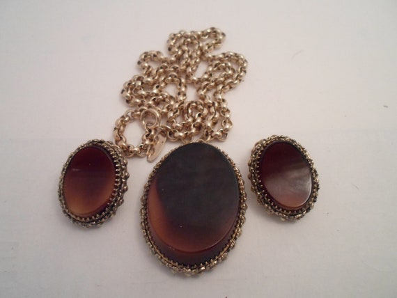 Vintage Mid Century Whiting And Davis 3 Piece Set Locket and Superb Chain with Clip Earrings Beveled Center Hi Pendant Chic Tasty Designer